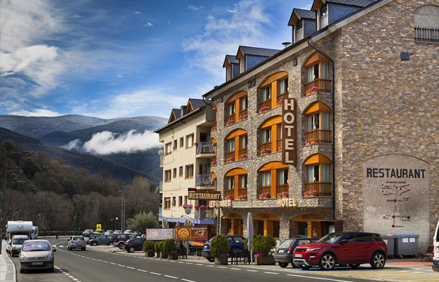 Exterior-hotel-les-brases